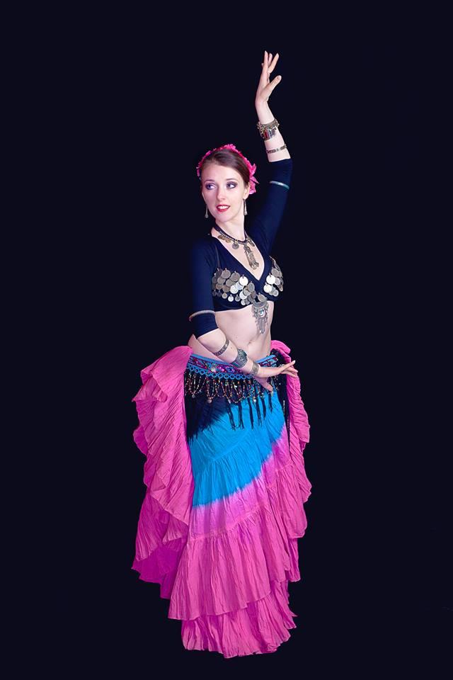 Danseuse en costume ATS